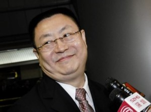 billionaire-li-li-co-founder-and-chairman-of-shenzhen-hepalink-pharmaceutical-400x298-300x223